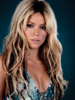 "New Shakira DVD ""Live in Paris"" coming December 6th ...  Shakira"